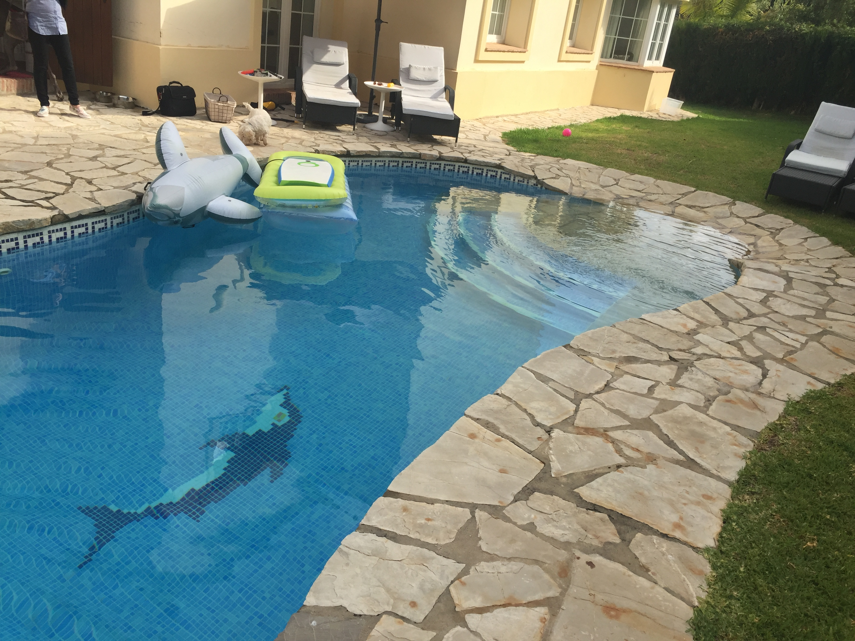 Piscinas ibericapool construcci n de piscinas de obra for Ver piscinas de obra