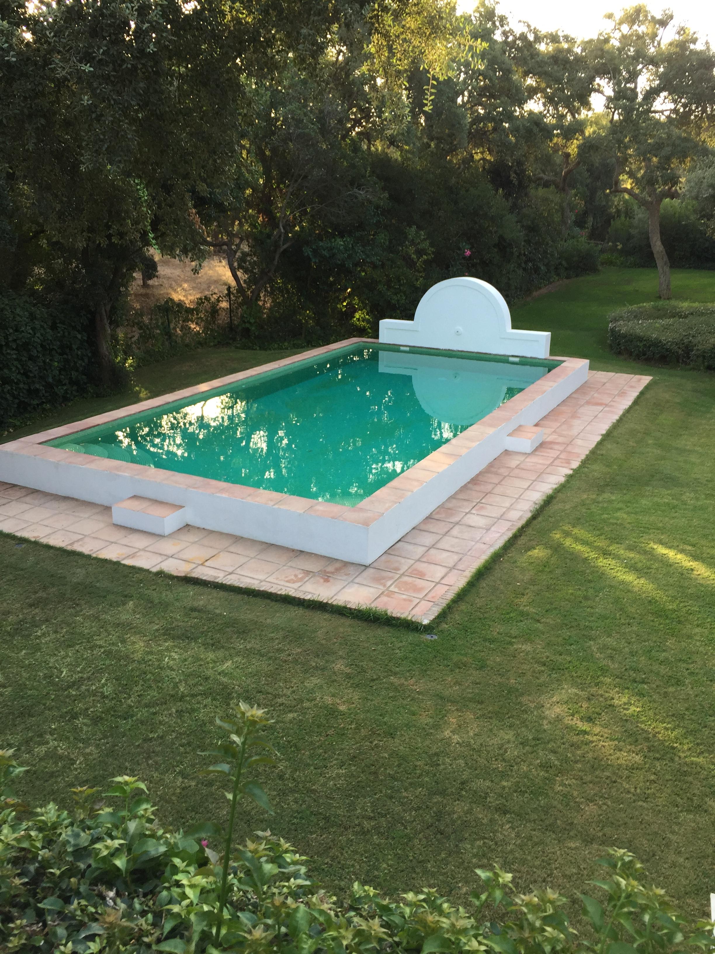 Piscinas ibericapool construcci n de piscinas de obra for Construccion de piscinas temperadas