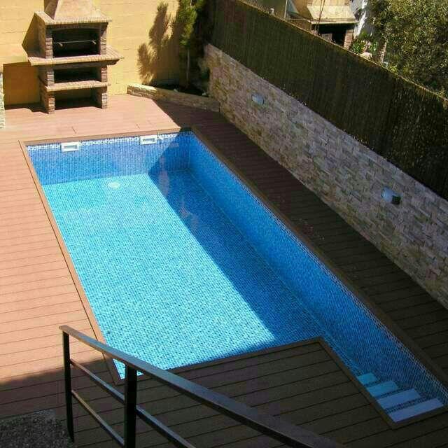 Piscinas ibericapool construcci n de piscinas de acero for Construccion de piscinas en granada