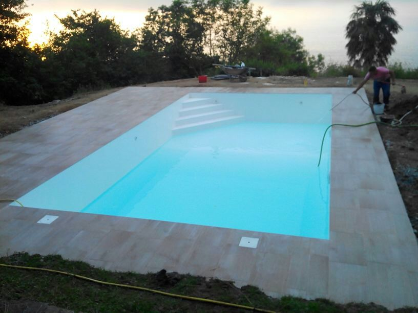 Piscinas ibericapool construcci n de piscinas de acero for Hipoclorito de sodio para piscinas