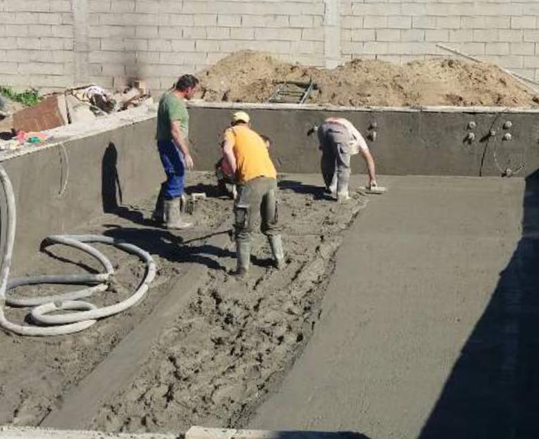 Piscinas ibericapool construcci n de piscinas de obra for Precio construccion piscina obra