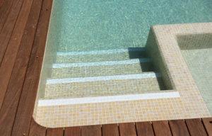 terminación-piscina-obra-gresite