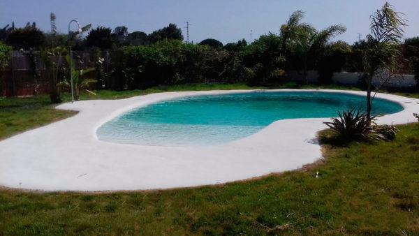 Piscinas ibericapool construcci n de piscinas de arena for Precio construir piscina