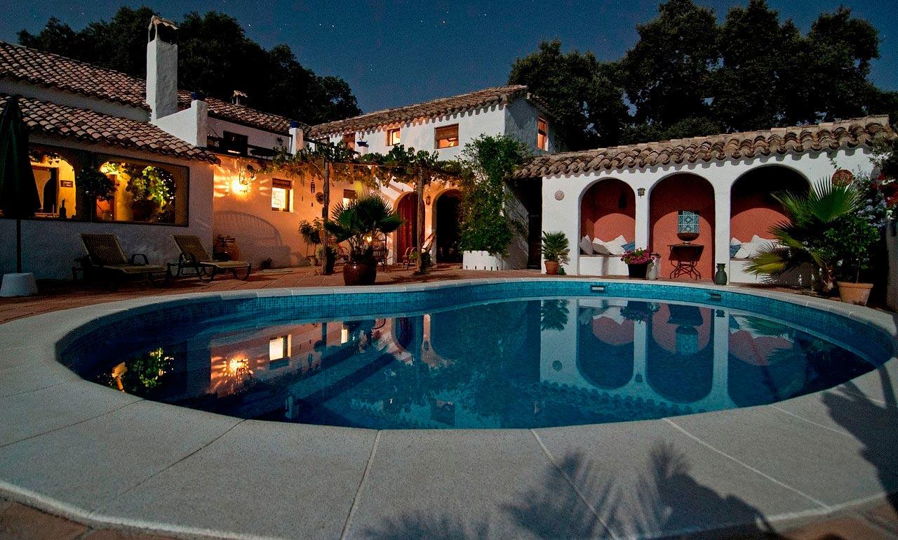 Piscinas ibericapool construcci n de piscinas en c diz for Construccion de piscinas barcelona